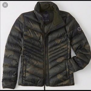 Abercrombie & Fitch Packable Down Puffer Jacket